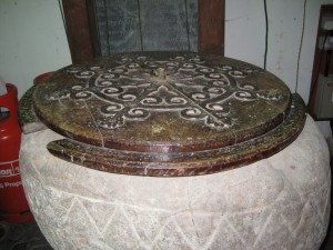 Byton - Herefordshire - St. Mary - font lid