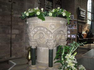 Ledbury - Herefordshire - St. Michael & All Angels - font2