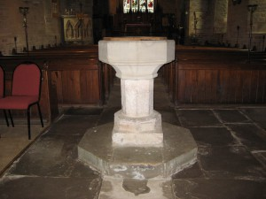 Dorstone - Herefordshire - St. Faith - font