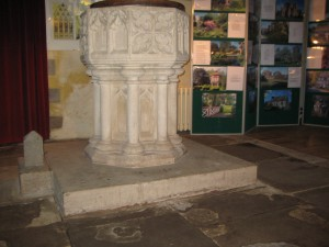 Eardisland - Herefordshire - St. Mary the Virgin - font