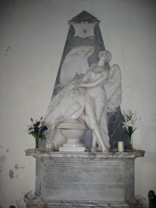 Kinnersley - Herefordshire - St. James - angel monument