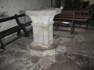 Kinnersley - Herefordshire - St. James - font