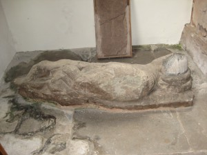 Much Cowarne - Herefordshire - St. Mary the Virgin - effigy 2