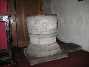 Sutton St. Nicholas - Herefordshire - St. Nicholas - font