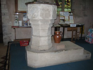 Weobley - Herefordshire - St. Peter & St. Paul - font